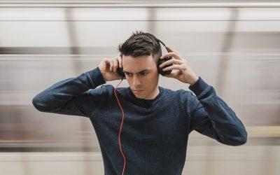Jak działa podsłuch i minikamera?